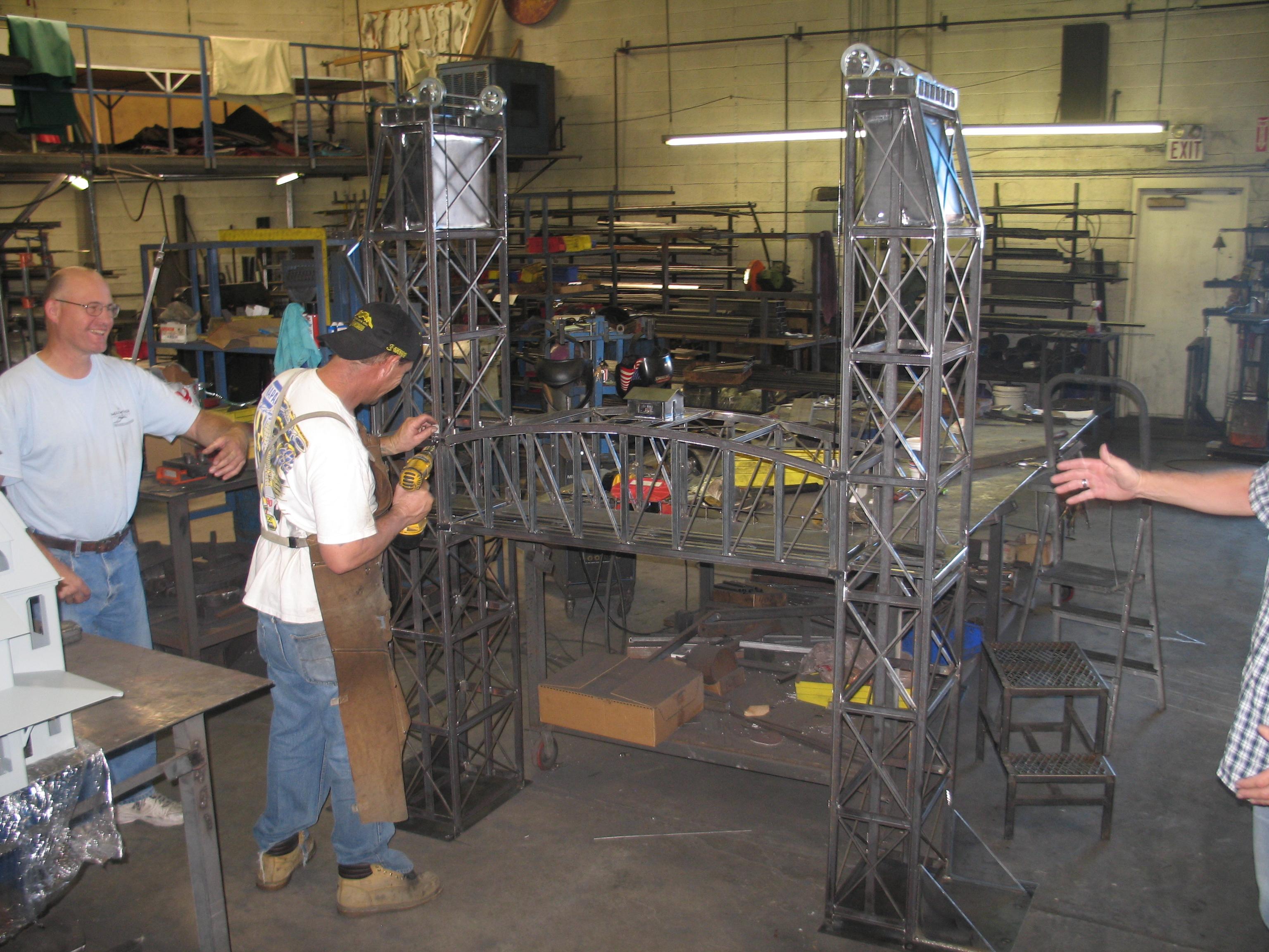 O Gauge Vertical Lift Bridge All About Garden Railroading